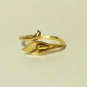 お花の指輪〈和蘭海芋〉
